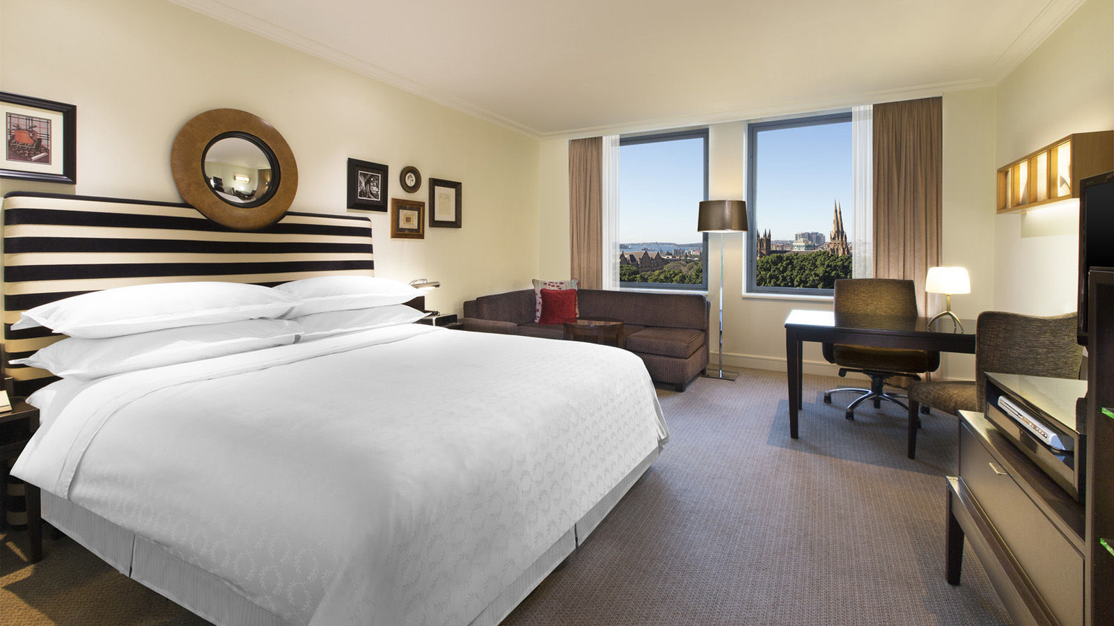 Hyde Park View Room